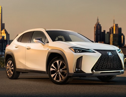 LEXUS UX, MUSCULAR AND DISTINCTIVE DESIGN