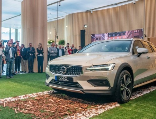 VOLVO V60 CROSS COUNTRY, TRA STATION WAGON E SUV