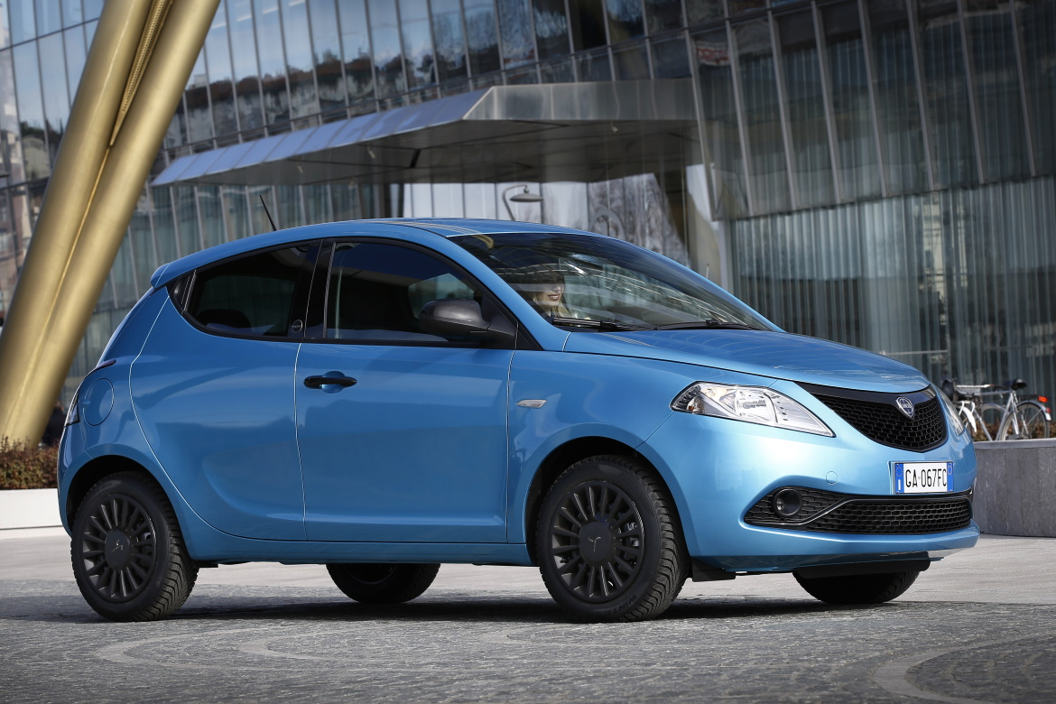 LANCIA YPSILON HYBRID: RECYCLING BECOMES REFINED